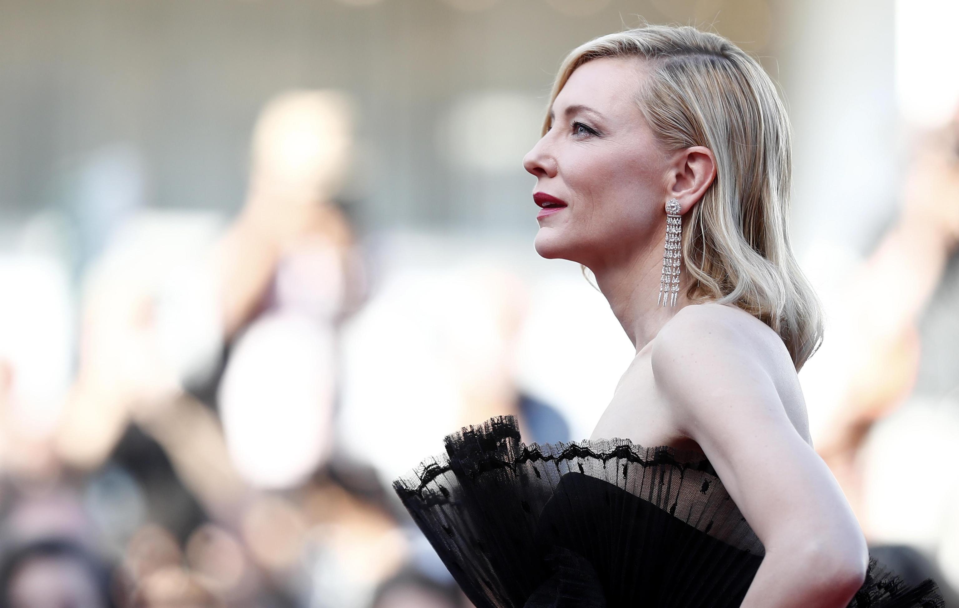 Cate Blanchett in Givenchy Haute Couture con orecchini Chopard