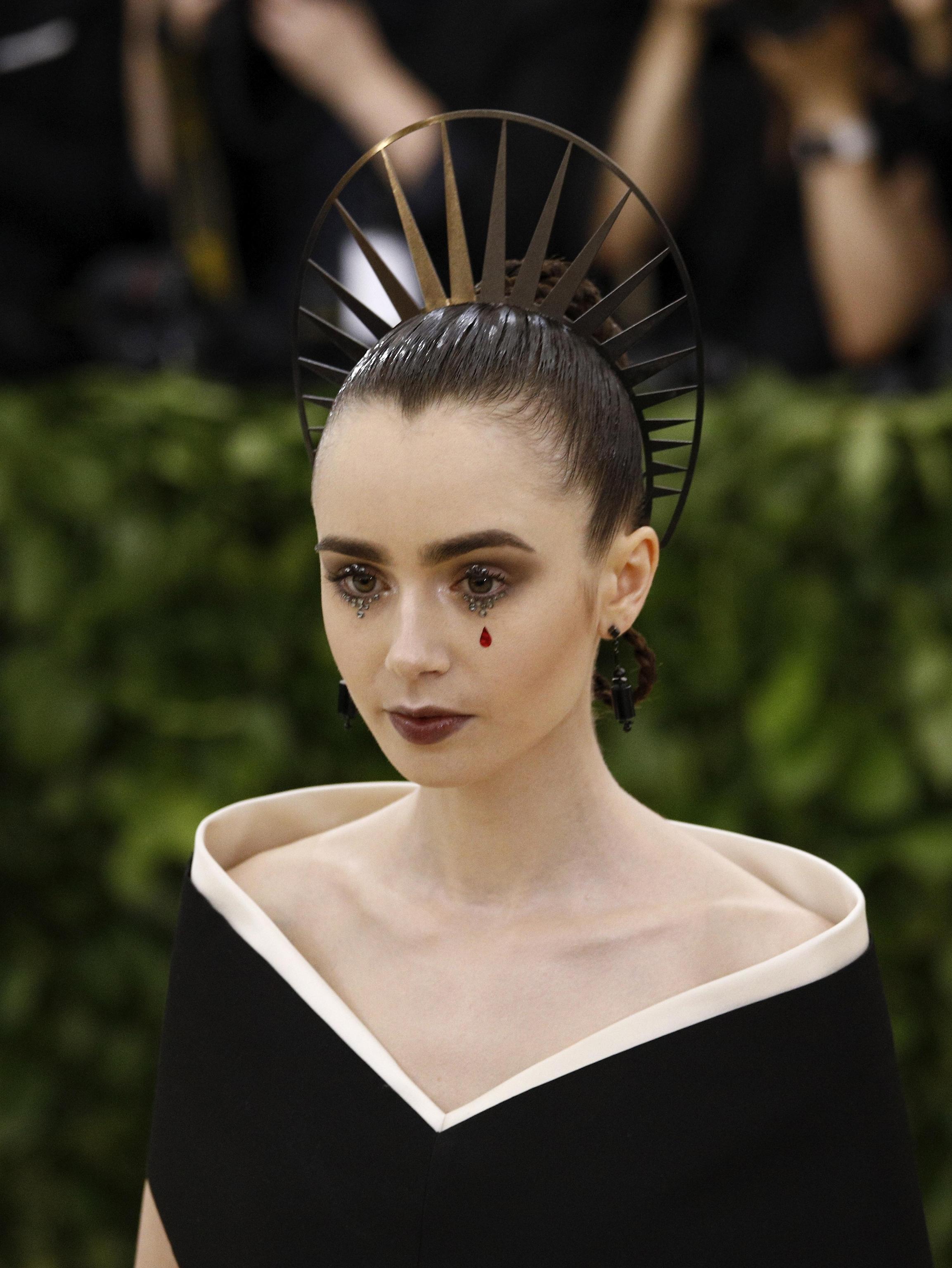 I gioielli di Lily Collins