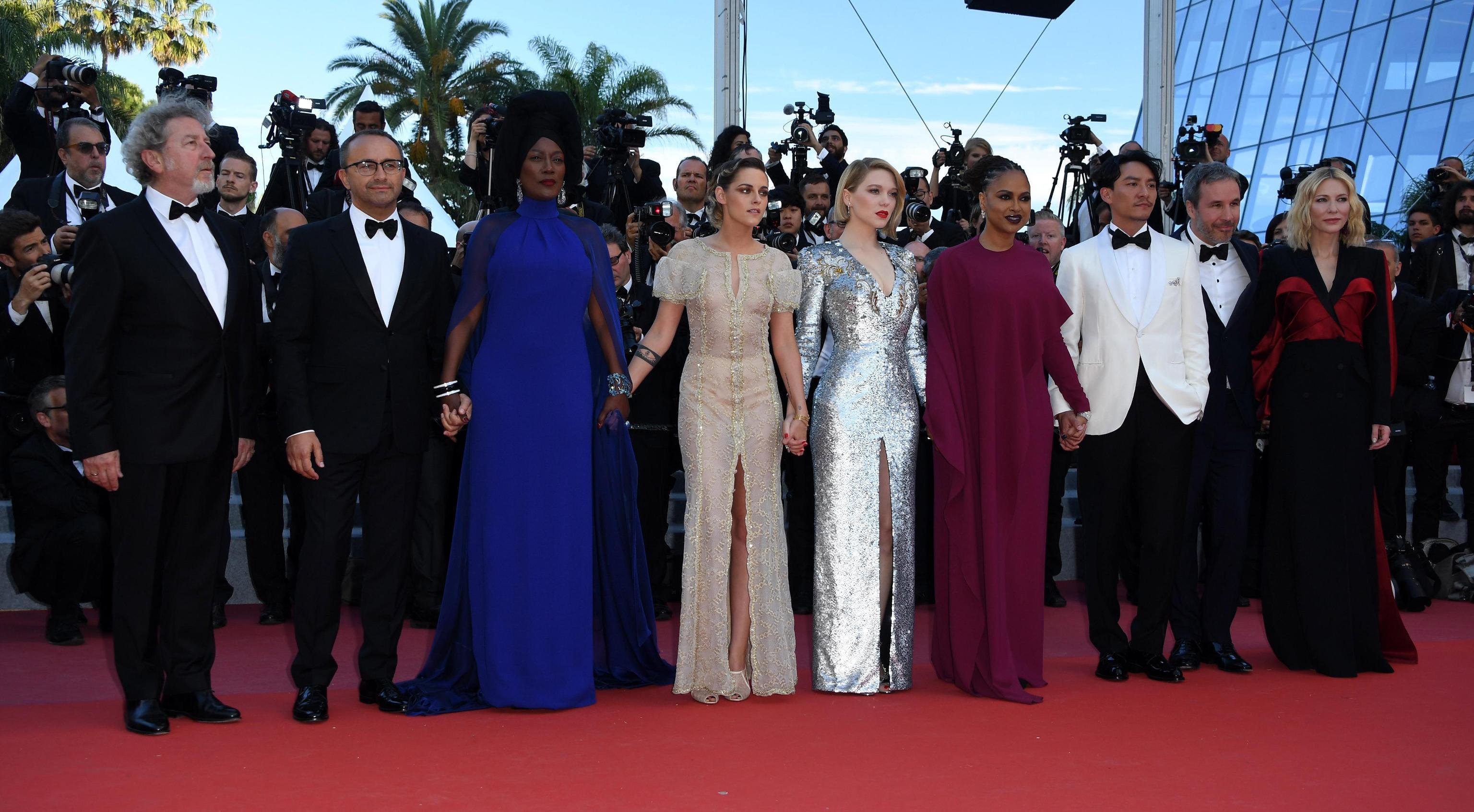 Kristen Stewart in Chanel, Lea Seydoux in Louis Vuitton e Cate Blanchett in Alexander McQueen