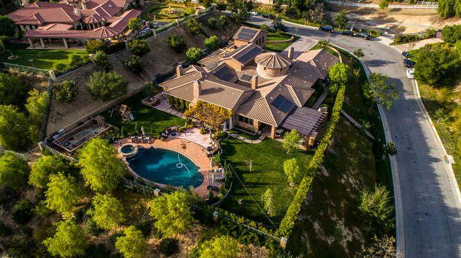 Il rapper Logic acquista una residenza di lusso a Los Angeles