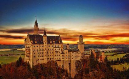 10 castelli da visitare per l'estate 2018: un viaggio incantato in Europa e non solo