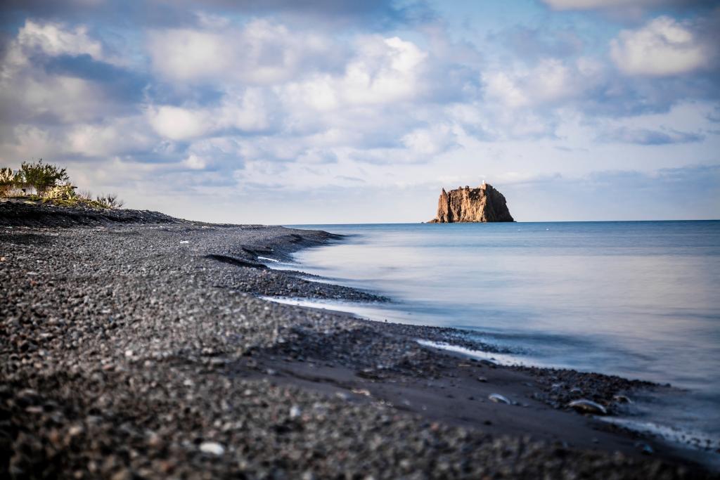 spiagge nere italia europa spiaggia di stromboli