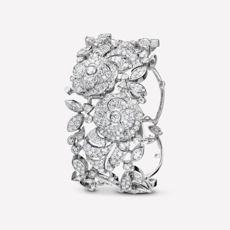 Bracciale Chanel Camelia in oro 18 carati con diamanti collezione autunno inverno 2018 2019