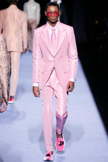 Abito da cerimonia uomo rosa Tom Ford