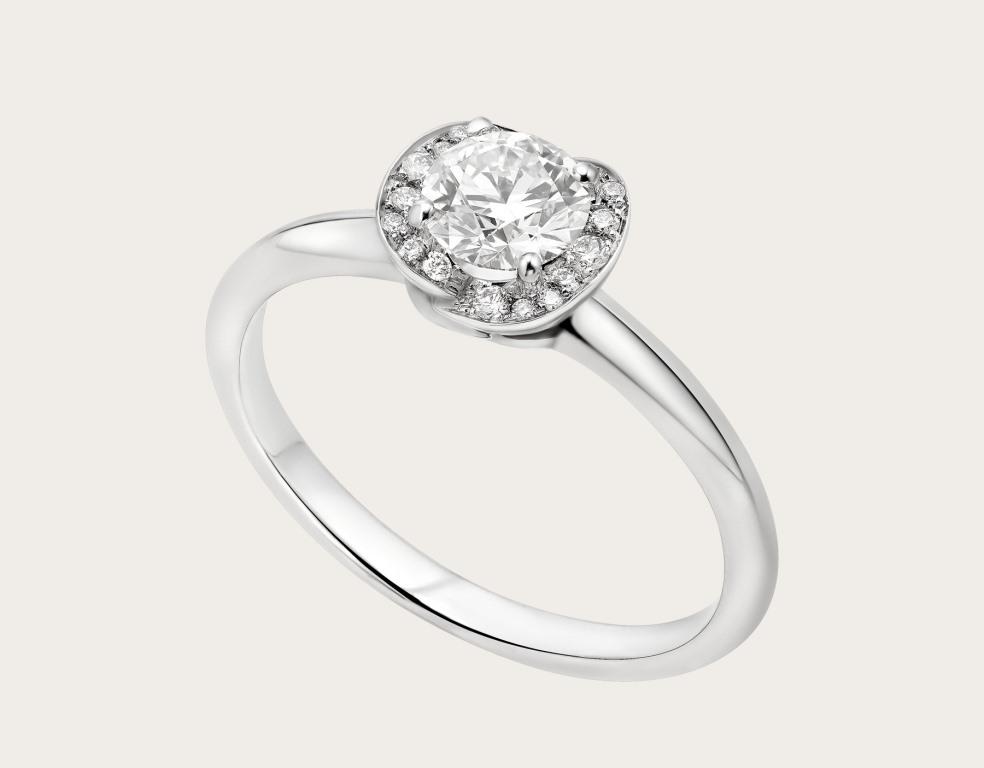 Anello di fidanzamento Bulgari con diamanti da 0,5 carati