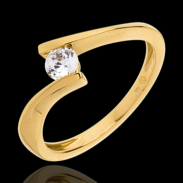 Anello di fidanzamento in oro giallo Edenly a 1840 euro