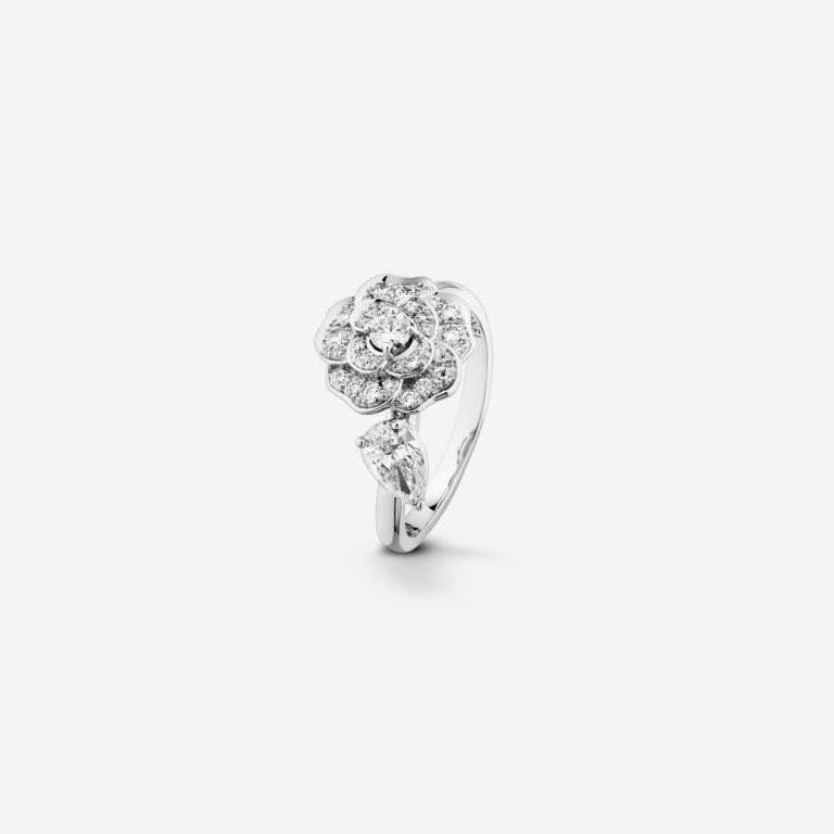 Anello in oro bianco Chanel con diamanti autunno inverno 2018 2019