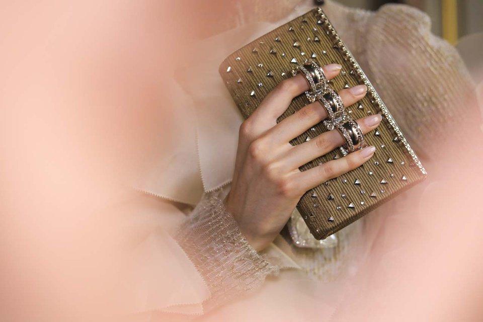 Borse eleganti inverno 2019: da Chanel a Bulgari, i modelli da cerimonia più chic [FOTO]