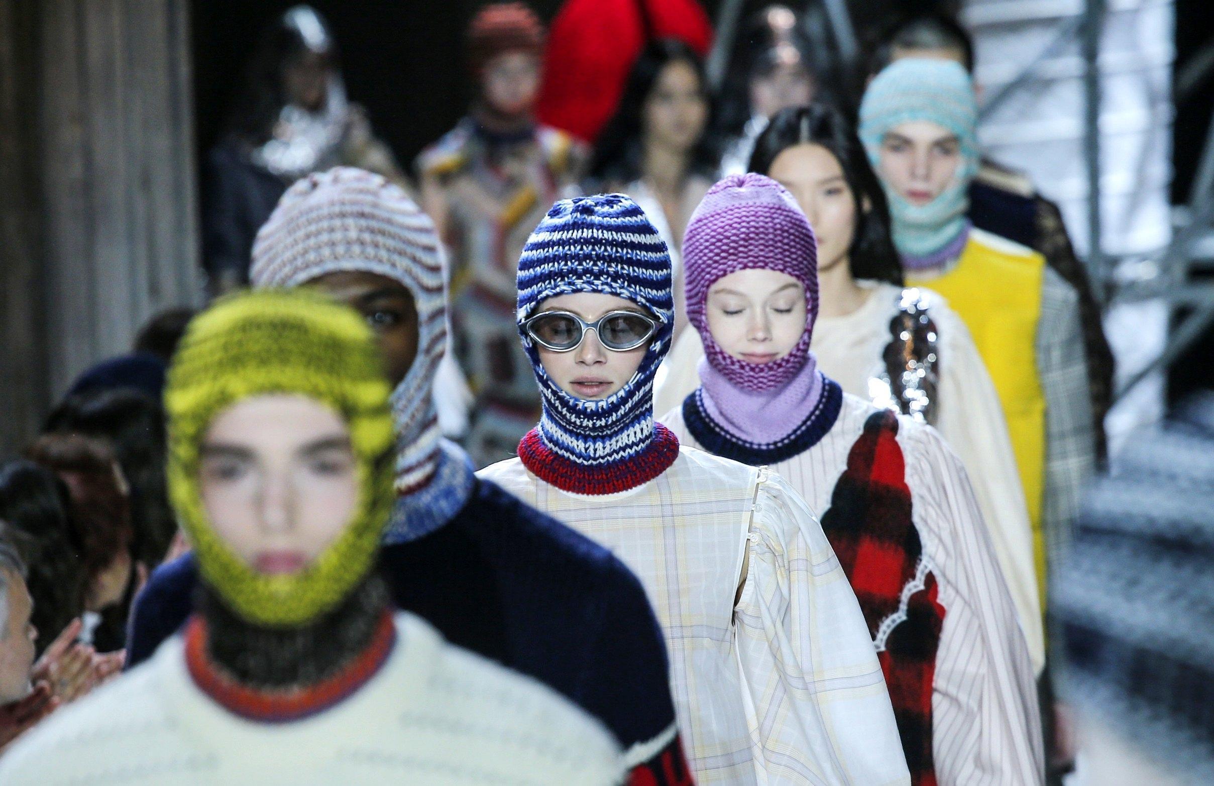 Cappelli donna passamontagna Calvin Klein