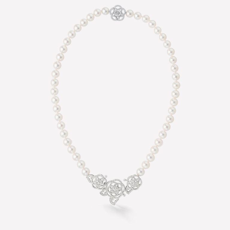 Collana Chanel in oro bianco 18 carati con perle e diamanti 2018 2019