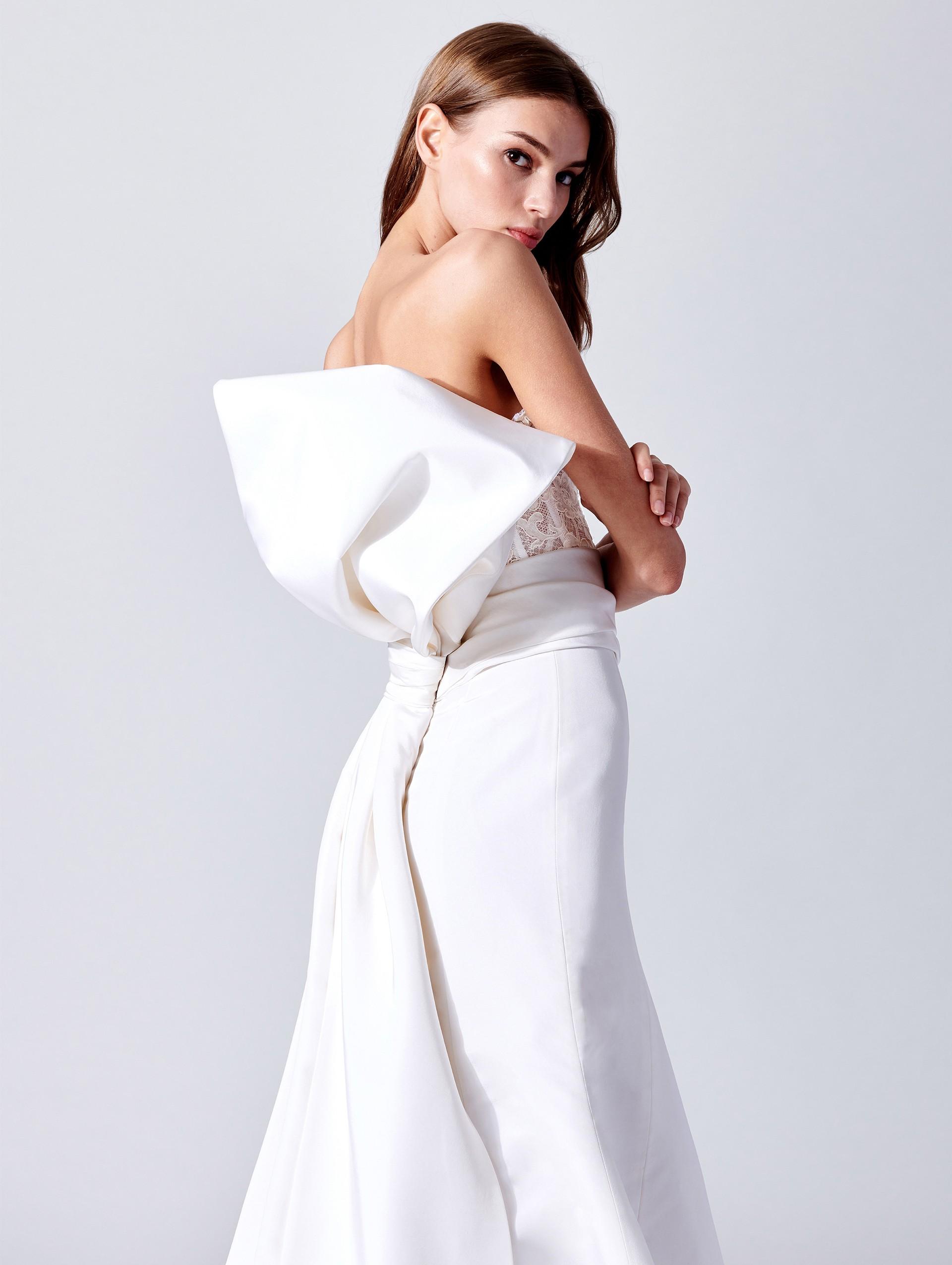 Abito da sposa con fiocco Oscar De La Renta collezione 2019