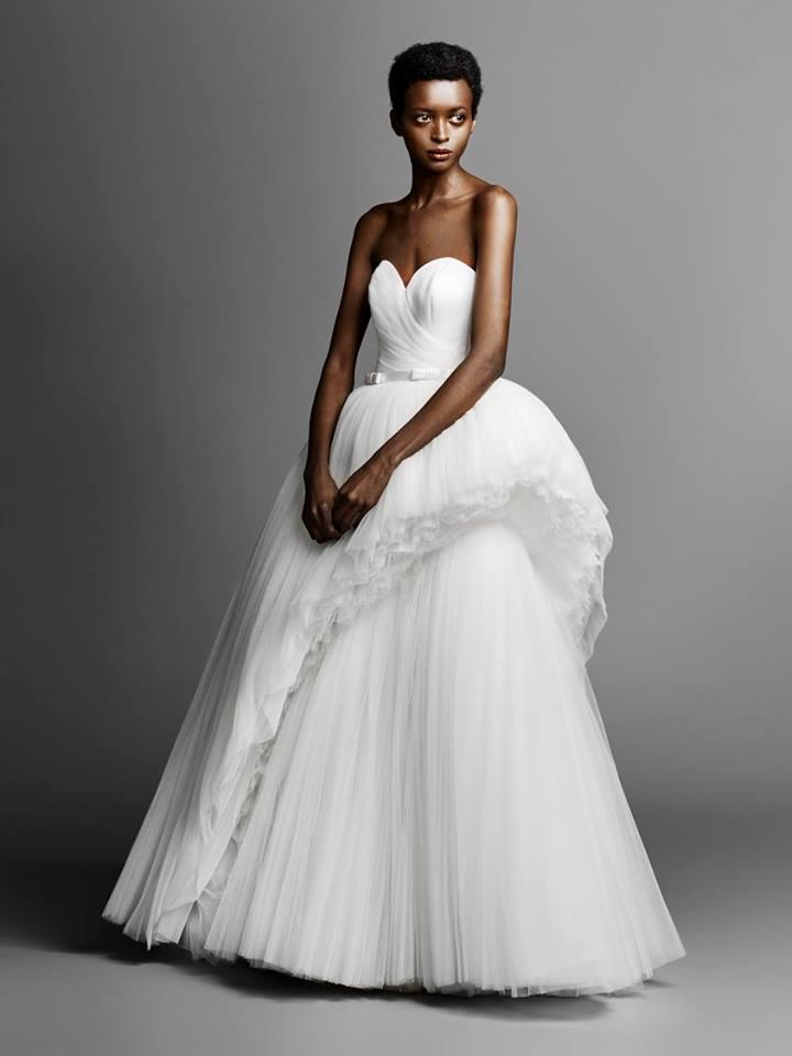 Abito da sposa con peplum asimmetrico Viktor & Rolf collezione bridal 2019