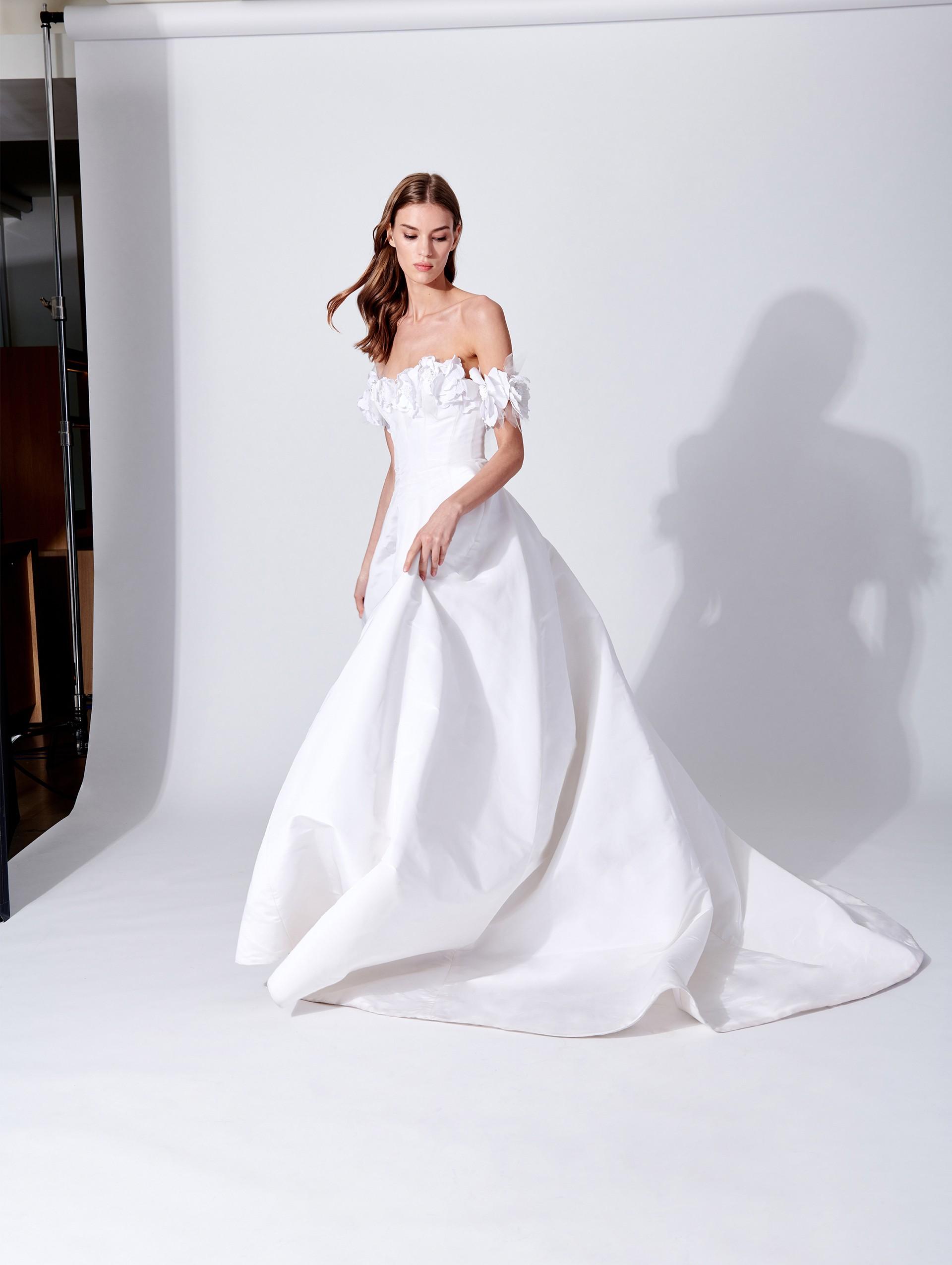 Vestito da sposa ampio in seta Oscar De La Renta 2019