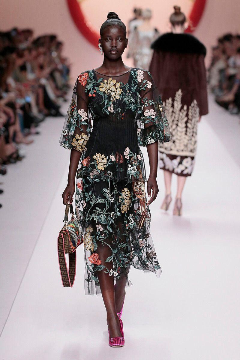 Vestiti Eleganti Fiorati.Abiti Da Cerimonia Le Tendenze Piu Glamour Per La Primavera 2019