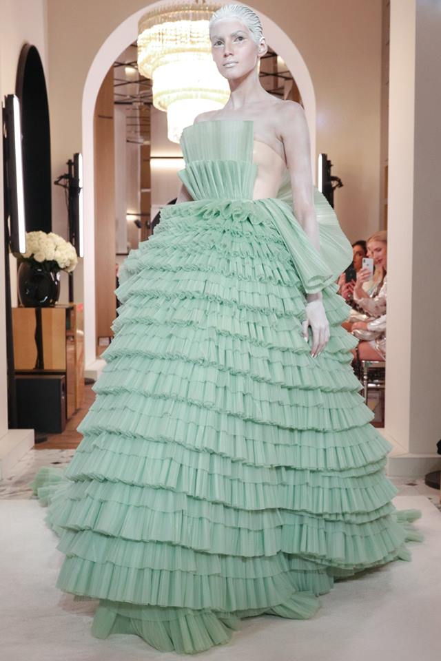 Abito lungo a balze Balmain Couture