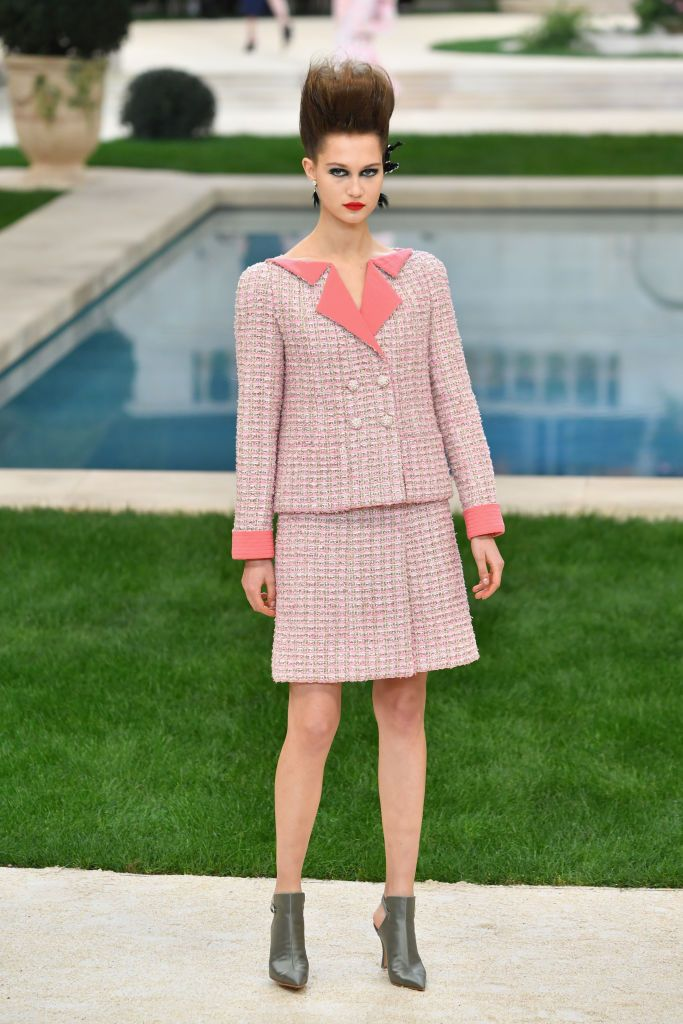Tailleur in tweed Chanel (Photo by Pascal Le Segretain Getty Images)