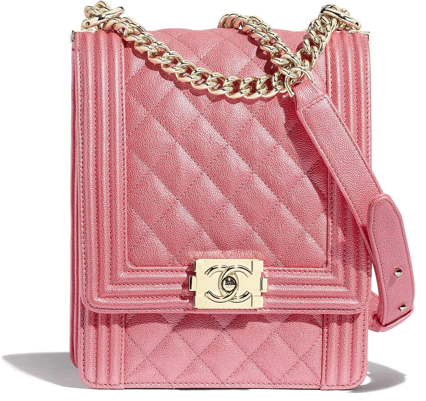 Borsa Boy Chanel in pelle martellata rosa