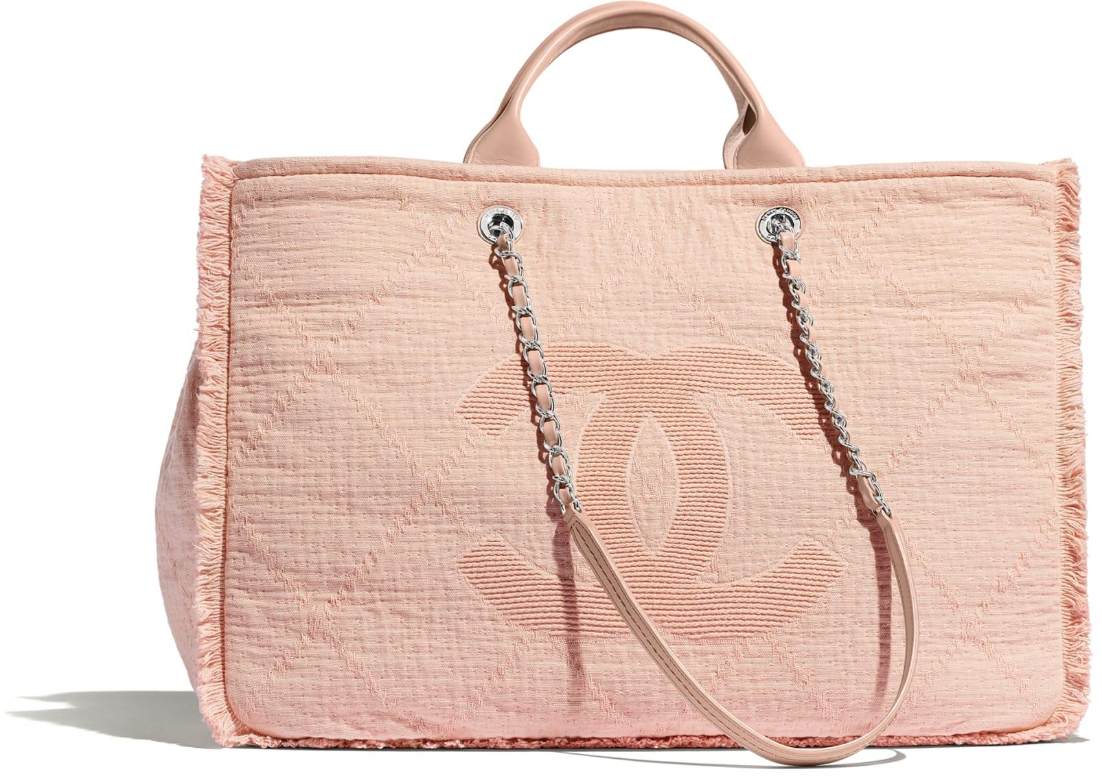 Borsa a spalla rosa in fibre miste Chanel a 2800 euro
