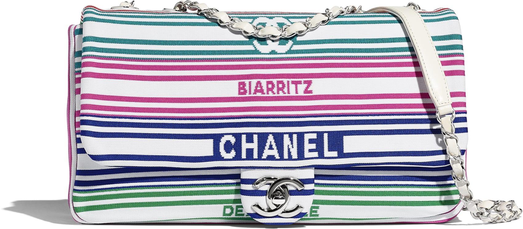 Borsa a tracolla a righe Chanel a 3 150 euro