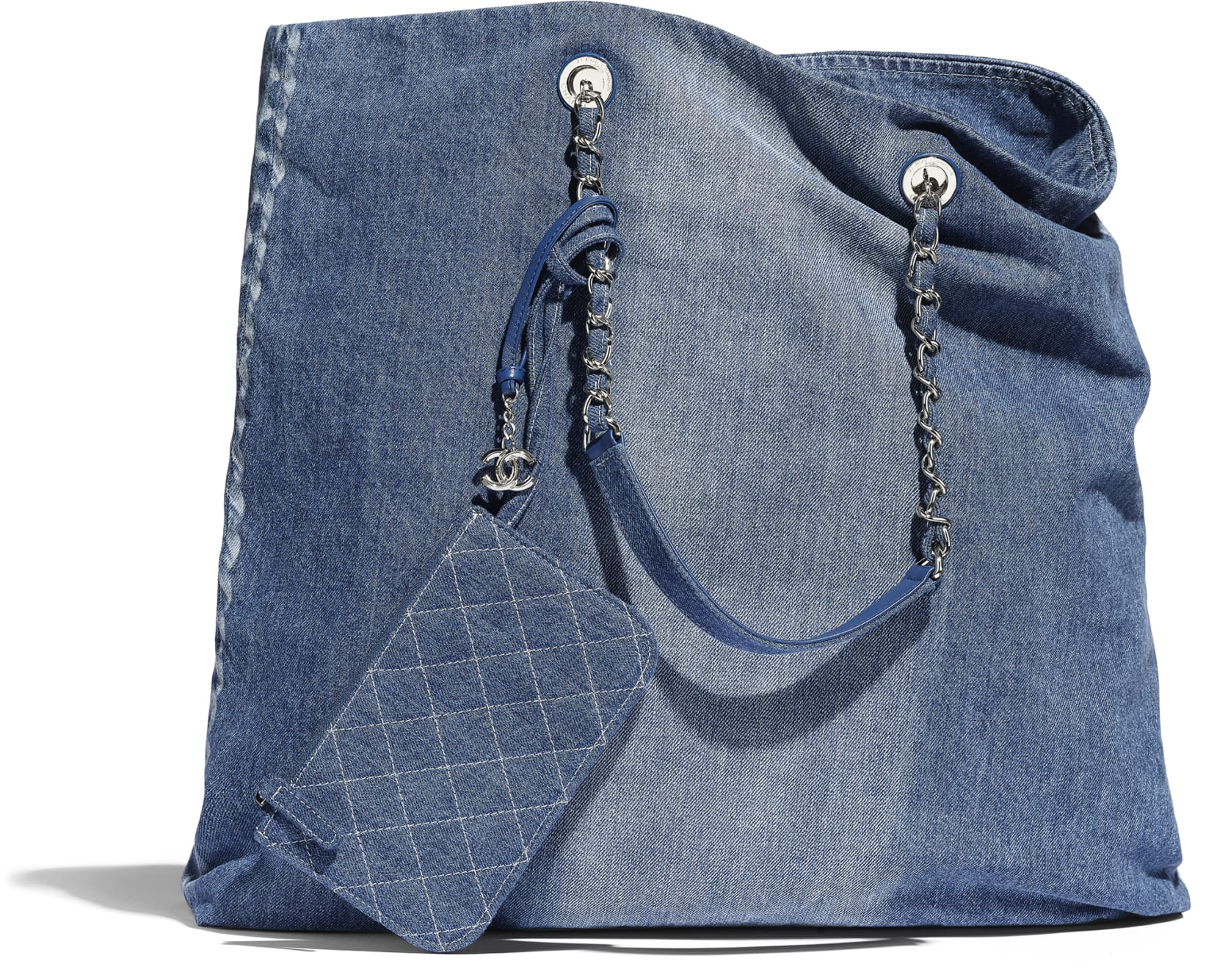 Borsa da giorno grande in denim Chanel a 2650 euro