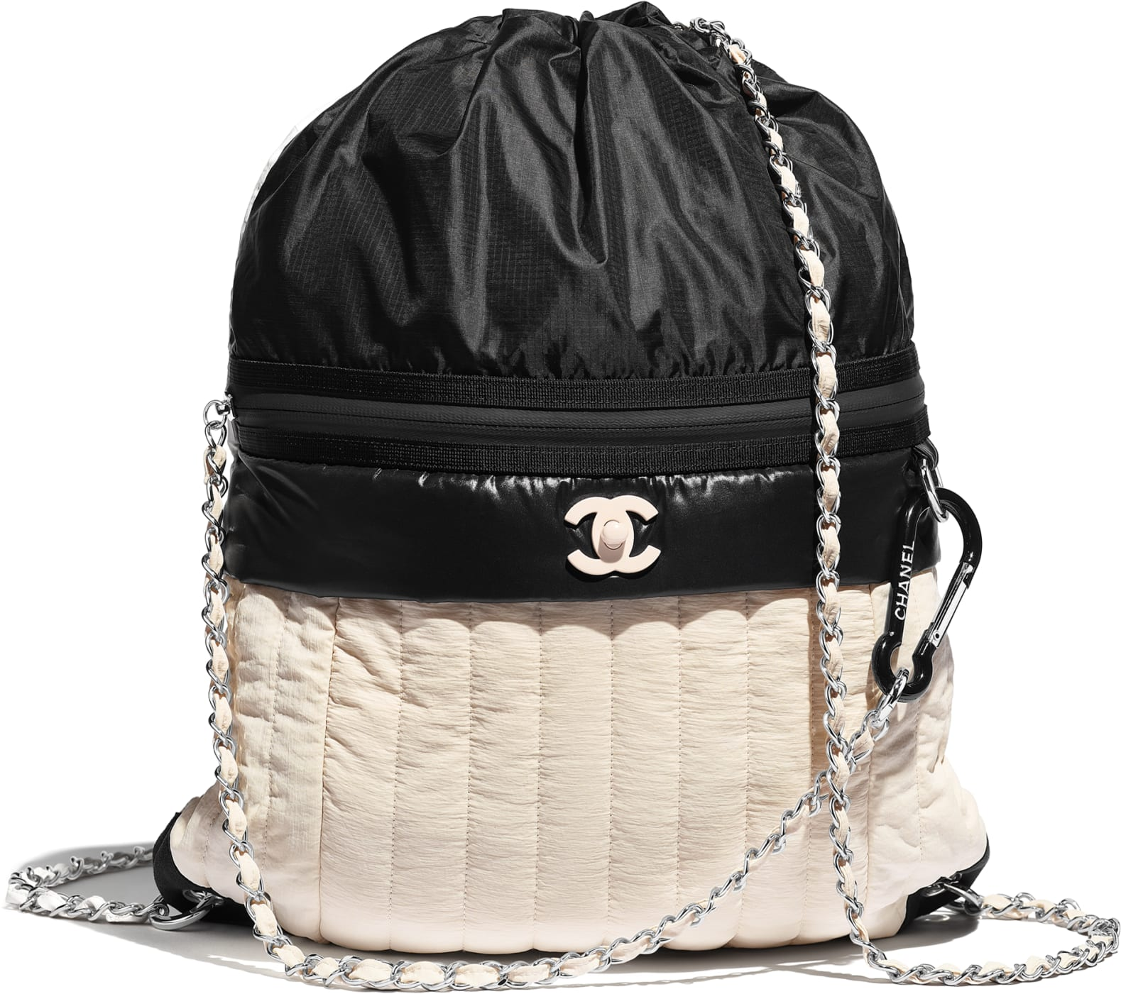 Zaino in nylon e metallo Chanel a 2 550 euro