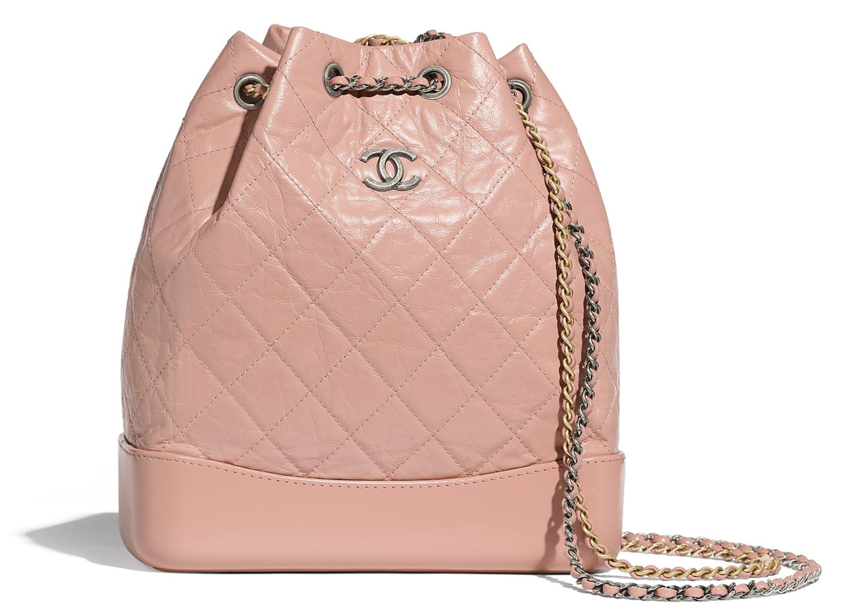 Zaino rosa in pelle invecchiata Chanel a 3400 euro