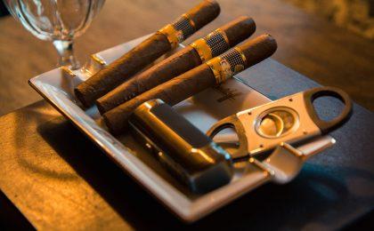 Come fumare il sigaro: i consigli da seguire