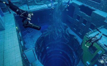 Inaugurata a Dubai la piscina più profonda del mondo