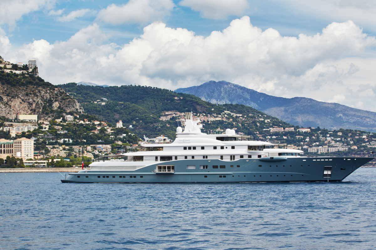 Yacht Radiant